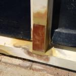 Kozijn repareren nadat het houtrot verwijderd is
