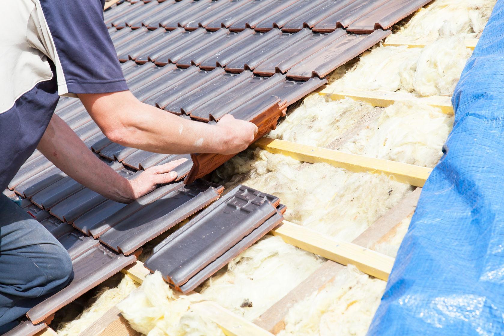 Een gedeelte van uw dak of uw hele dak vervangen laat u over aan dakspecialist Bouwonderneming Zomer